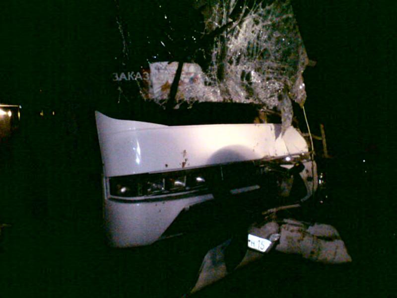 Водитель автобуса, столкнувшегося накануне с грузовиком в Ярославской области, скончался в больнице