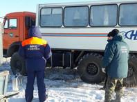 В Якутии эвакуировали 100 человек с застрявшего во льдах парома