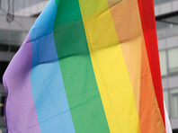 Молодой человек, эмигрировавший в Германию несколько лет назад, в интервью журналистам The Time рассказал в конце сентября о своей судьбе и призвал других чеченских представителей ЛГБТ-сообщества не бояться никого, включая властей республики