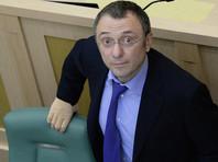 Российский сенатор Сулейман Керимов, задержанный во Франции по подозрению в мошенничестве, находился в этой стране с частной, а не с рабочей поездкой
