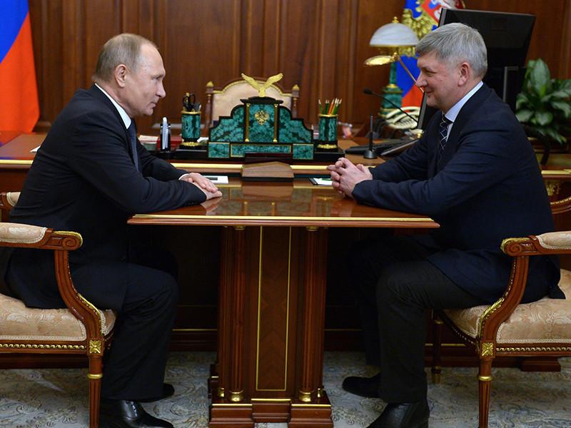 Президент Владимир Путин в канун Нового года принял ряд кадровых решений, в результате которых сменился руководитель Воронежской области