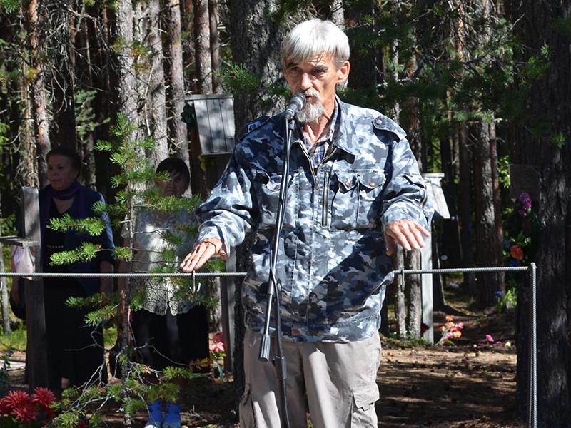 Дмитриев является составителем и издателем книг памяти жертв политических репрессий 1930-1940-х годов в Карелии и исследователем кладбищ заключенных ГУЛАГа на территории Карелии