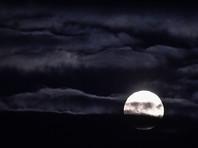 Россияне могут наблюдать суперлуние, если не помешает облачность