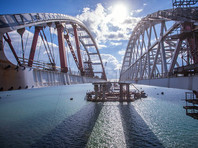 Крым и Тамань будут полностью соединены пролетными строениями в автомобильной части Крымского моста до конца 2017 года