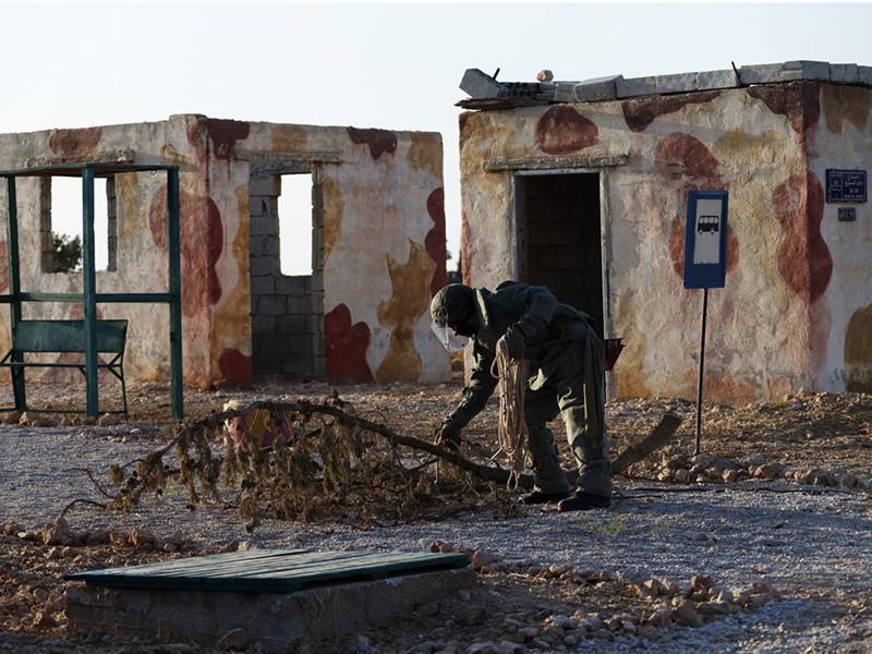 """В Сирии под контролем """"Исламского государства"""" не осталось ни одного населенного пункта или района, и потому российские войска сосредоточатся на обеспечении гуманитарной помощи, заявили в Минобороны"""