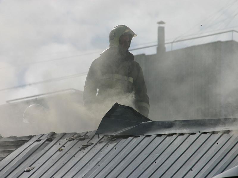В Новой Москве загорелся частный дом, приспособленный под общежитие