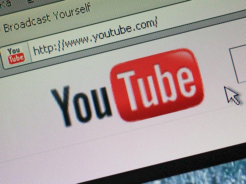 """Ранее в """"Открытой России"""" сообщили, что ведомство пригрозило блокировкой YouTube и Twitter на территории РФ, если аккаунты движения не будут удалены с этих сервисов"""