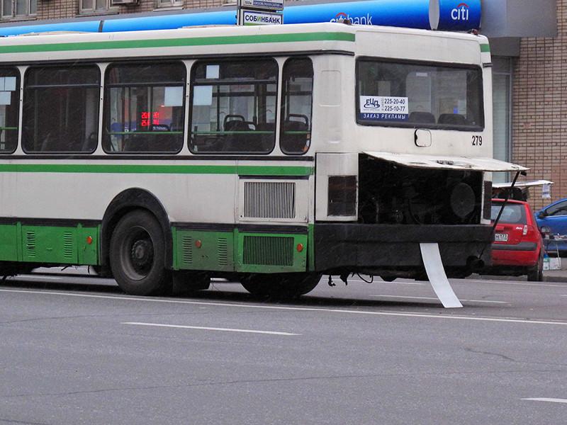 ГИБДД выявила за год почти 250 тысяч случаев использования неисправных автобусов
