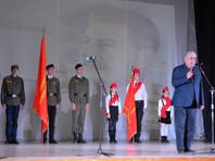 """На дне рождения Сталина в Севастополе усатый актер рассказывал о """"неблагодарных потомках"""""""