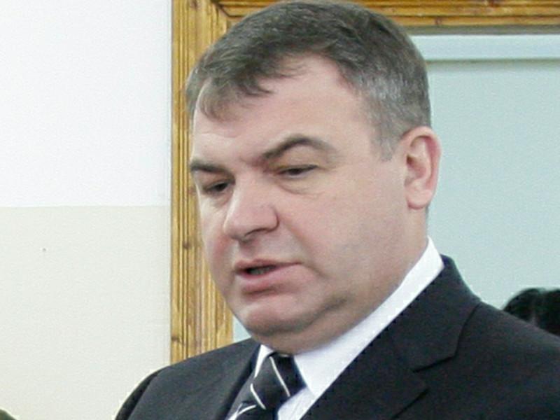 """Transparency нашла конфликт интересов в работе Сердюкова на """"Ростех"""""""
