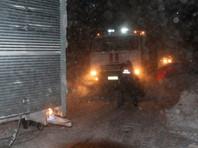 В ночь с 25 на 26 декабря сильный снегопад заблокировал участок автотрассы между селами Фирсово и Стародубское, в результате чего в снежном плену оказались около сотни автомобилей