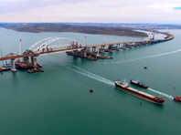 Строители Крымского моста завершили сооружение пролетов под автодорогу