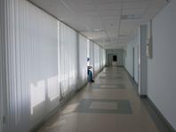 Минздрав, СК и прокуратура расследуют инцидент в больнице Свердловской области, где труп мужчины двое суток лежал под лестницей