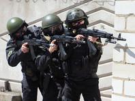 Бандитам было предложено сложить оружие и сдаться властям. В ответ они попытались прорваться сквозь оцепление и скрыться. В ходе последовавшего затем огневого контакта трое бандитов были нейтрализованы, в доме, где они укрывались, произошел взрыв