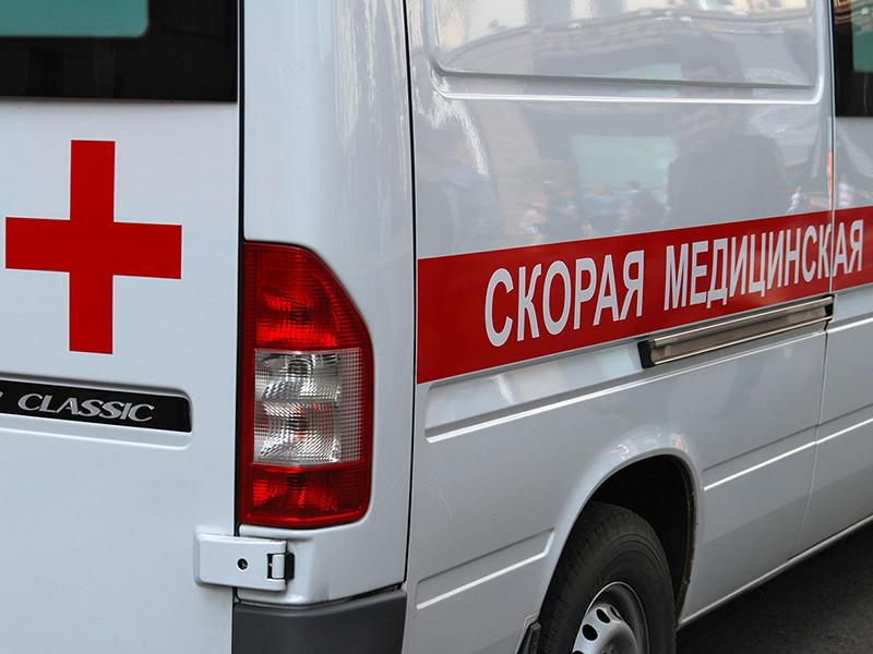 В городе Петровске Саратовской области ученик средней школы попал в больницу после того, как старшеклассник распылил перцовый баллончик в коридоре учебного заведения