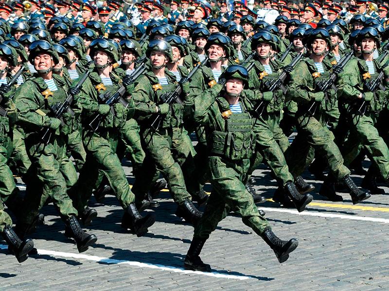 В ходе ежегодной пресс-конференции президент Владимир Путин оригинально проиллюстрировал свой ответ на вопрос о том, будут ли увеличиваться военные расходы РФ и не нанесет ли это ущерб социальным программам