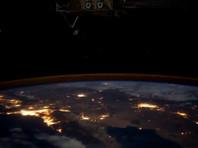 На МКС, облетающей Землю, Новый год можно встретить 16 раз - первый раз в следующий год станция попадает, пролетая над Новой Зеландией днем 31 декабря. Последний - около 14:30 по Москве 1 января над Тихим океаном