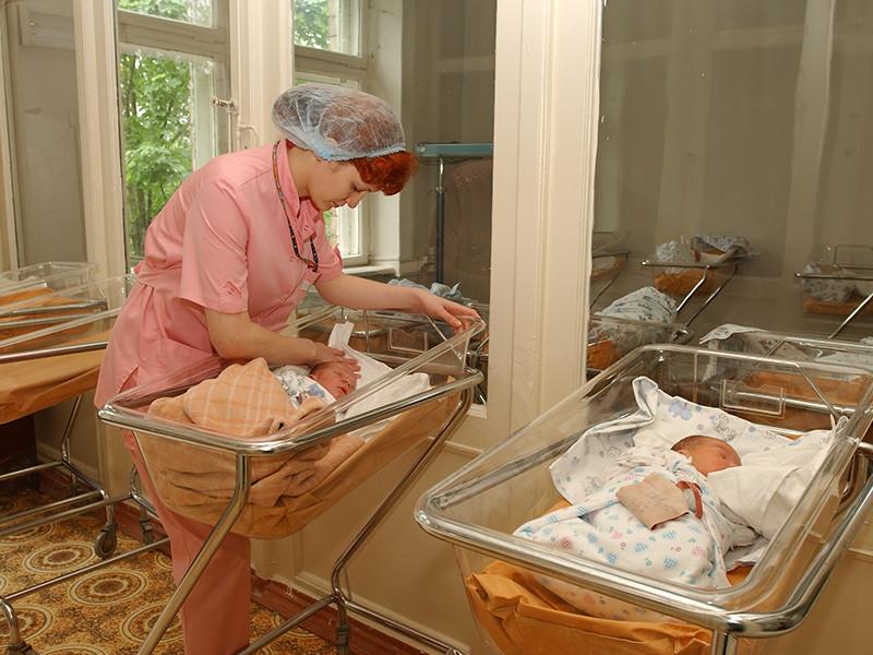 Минтруд назвал сумму выплат на первого и второго ребенка