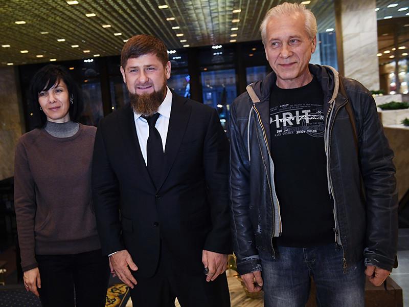 Глава Чечни Рамзан Кадыров встретился с супружеской парой белорусских медиков, которые были в заложниках у бандитов в Ливии и выбрались из плена благодаря, в том числе, и усилиям руководителя российского региона