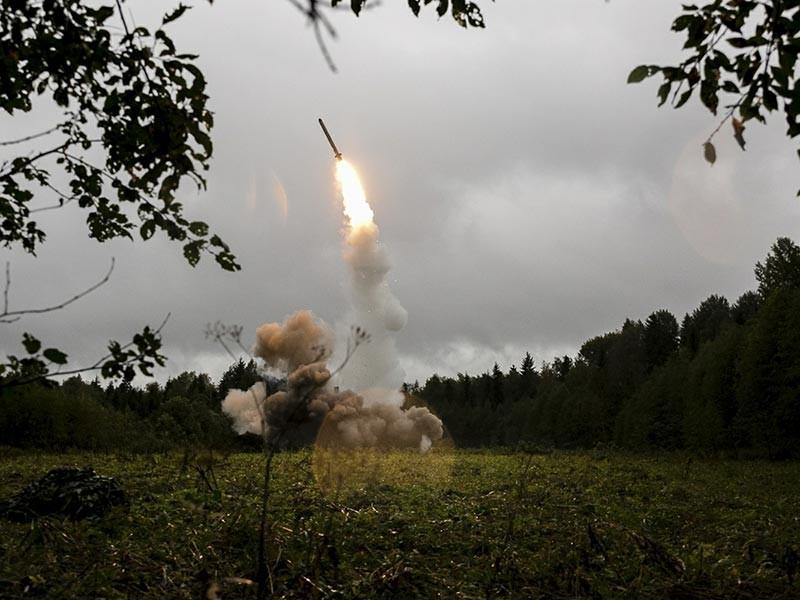 """В Калининградской области будут на постоянной основе размещены оперативно-тактические ракетные комплексы """"Искандер-М"""". До настоящего момента ракеты направляли туда лишь временно"""