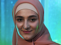 18-летняя дочь главы Чечни Рамзана Кадырова Айшат Кадырова открыла в центре Грозного бутик эротического женского белья и интимных аксессуаров Lady A, который ввиду табуированности темы секса в чеченском обществе рекламируется среди ограниченного круга людей