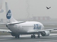 В аэропорту Внуково стюардесса выпала из самолета