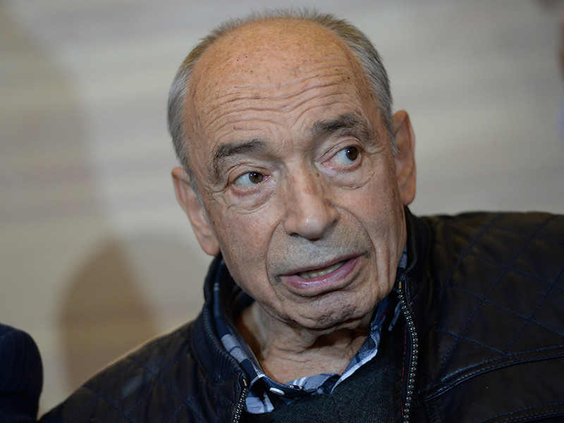 Актер театра и кино Валентин Гафт в четверг, 14 декабря, был доставлен в одну из московских больниц