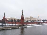 """Опрос: 40% россиян уверены, что России нужна """"сильная рука"""""""