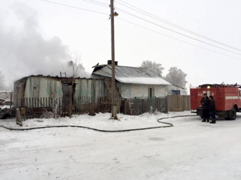В Новосибирской области сгорел частный дом, в пожаре погибли пятеро детей в возрасте от полутора до семи лет