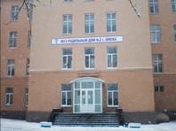 В Омске беременная во время схваток выпала из окна роддома