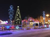 В Южно-Сахалинске установили новую елку взамен сгоревшей в новогоднюю ночь