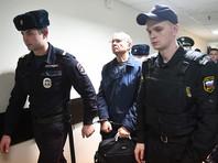 Среди респондентов, следивших за процессом, почти половина (41%) считают, что Улюкаев виновен во вменяемом ему преступлении, каждый пятый (21%) полагает, что министра подставили и он стал жертвой борьбы различных группировок во власти