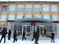 В пермской школе, где произошла резня, возобновились занятия. Многих детей привели родители