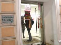 Как рассказал РБК глава сети региональных штабов Собчак Тимур Валеев, штабы будут собирать подписи с запасом - 130-140 тысяч
