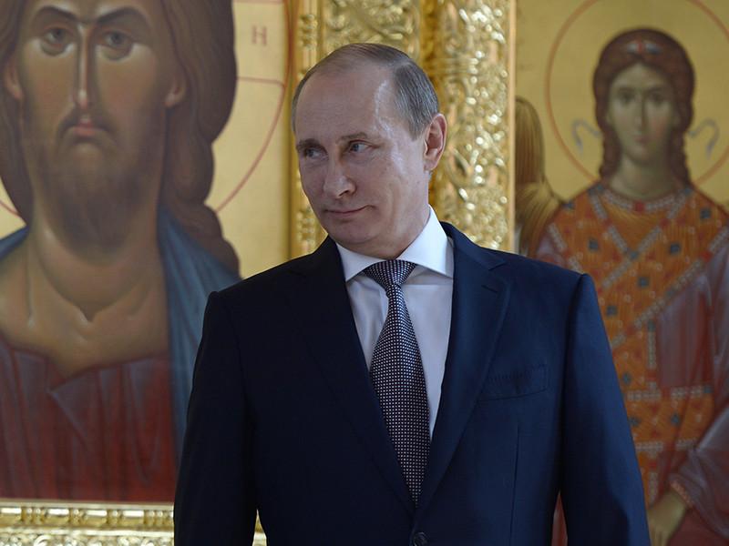 Президент РФ Владимир Путин сравнил коммунизм с христианством, а помещение в мавзолей Владимира Ленина с почитанием мощей святых
