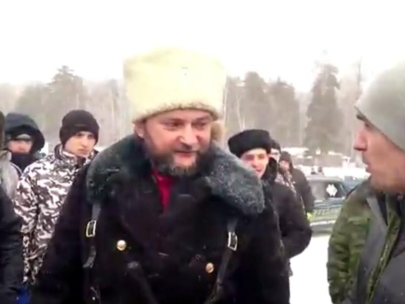 Полиция и казаки перекрыли гоночную трассу на озере в Свердловской области