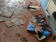 Пострадали четыре человека: одна учительница, двое учеников и сам подросток, устроивший нападение. Все они доставлены в медучреждения
