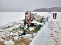 МЧС обвинило иркутских чиновников в безответственности после утопления в Лене целого парка техники