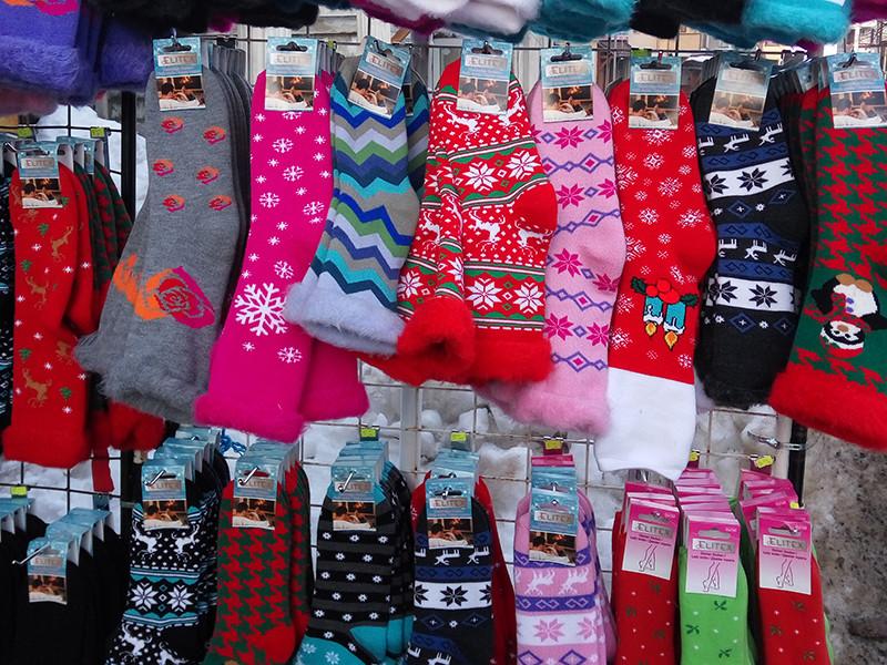 Казанский магазин, торгующий текстилем для дома и одеждой, оштрафовали на 800 тысяч рублей за носки с коноплей. Прокуратура сочла, что торговцы пропагандируют наркотики