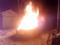 У координатора штаба Собчак в Пскове сгорел автомобиль, оппозиционеры подозревают поджог (ВИДЕО)