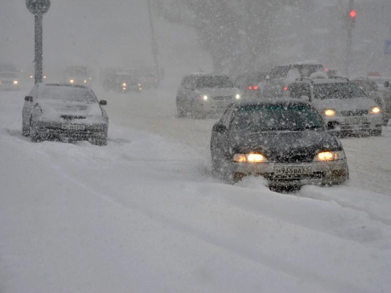 На Сахалин пришел очередной циклон, принеся снегопады и сильный ветер