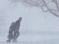 Сахалин переживает удар первого в 2018 году циклона - около 100 автомобилей застряли в снегу, не ходят автобусы, закрыта переправа