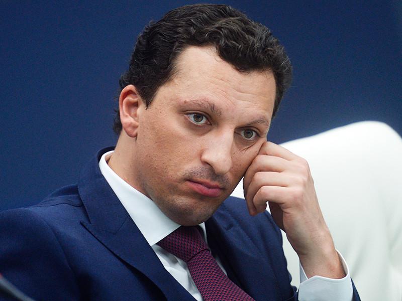 """Журналисты узнали о разводе одного из членов совета директоров """"Сибура"""" Кирилла Шамалова"""