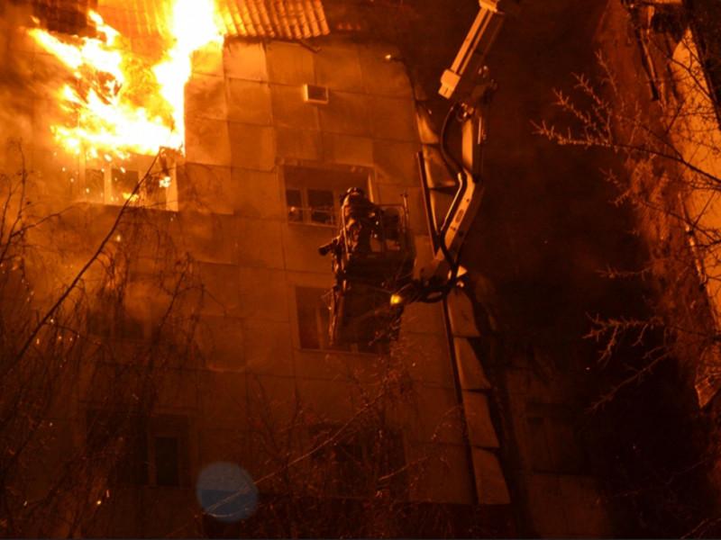 В многоквартирном девятиэтажном доме в Тюмени ближе к вечеру понедельника, 8 января, произошел пожар