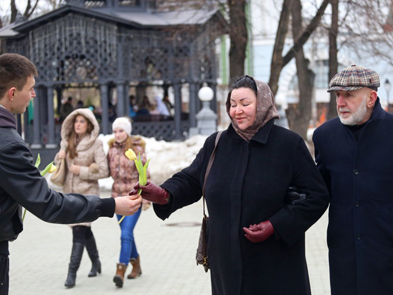 """""""Коммерсант"""": Кремль готовит акции к 23 февраля и 8 марта для """"положительного фона"""" избирательной кампании"""