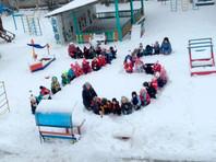 Волгоградских детсадовцев для празднования годовщины победы под Сталинградом поставили на колени в снег (ФОТО)