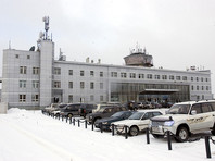 На Сахалине самолет задел крылом мачту освещения в аэропорту