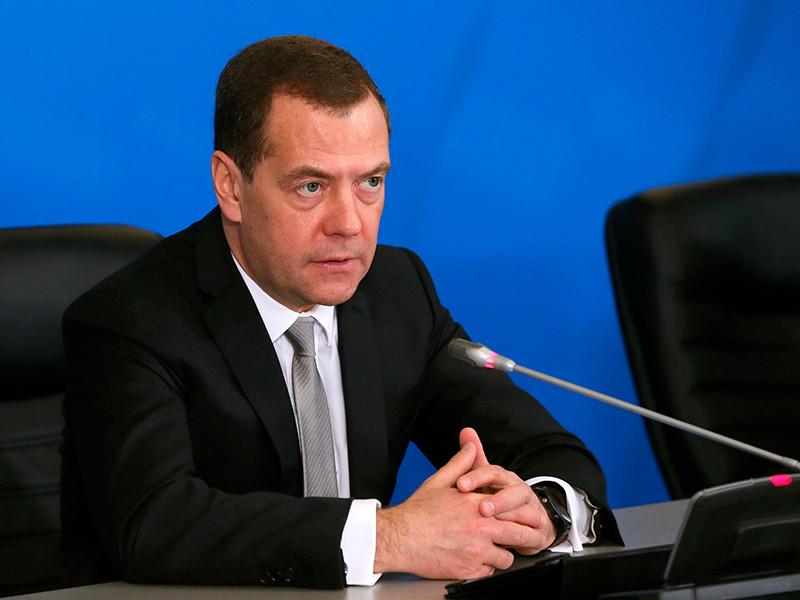 Преподаватель Таганрогского металлургического техникума Виктор Макаренко, который пожаловался премьер-министру на низкую зарплату и вскоре был уволен, будет восстановлен в должности.