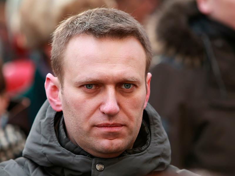 Соратникам основателя ФБК Алексея Навального удалось обойти действия Роскомнадзора, который заблокировал доступ к сайту оппозиционера на основании решения Усть-Лабинского районного суда Краснодарского края