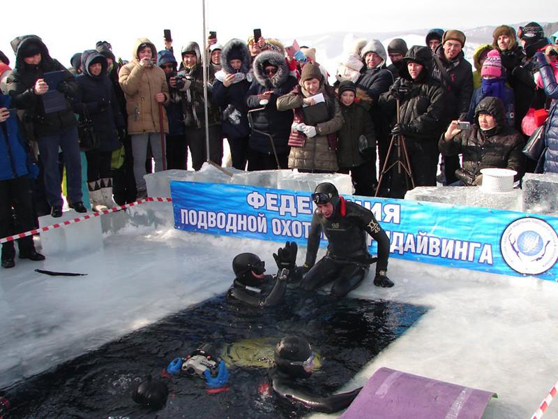 В Иркутской области фридайвер проплыл 100 метров подо льдом Байкала, задержав дыхание на 97 секунд.  Рекордсменом стал Дмитрий Соколов, инструктор Иркутской областной федерации подводной охоты и фридайвинга
